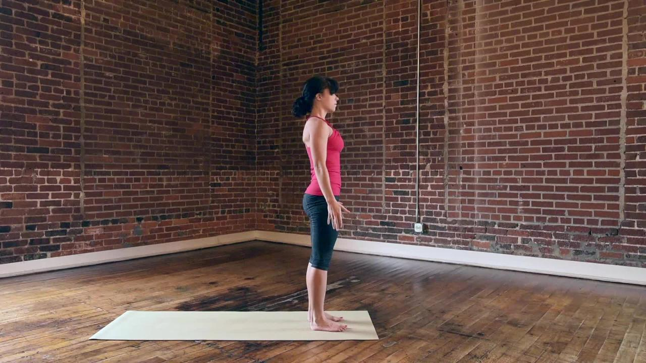 A Dynamic Yoga Warm-Up to Prime Your Muscles for a Run