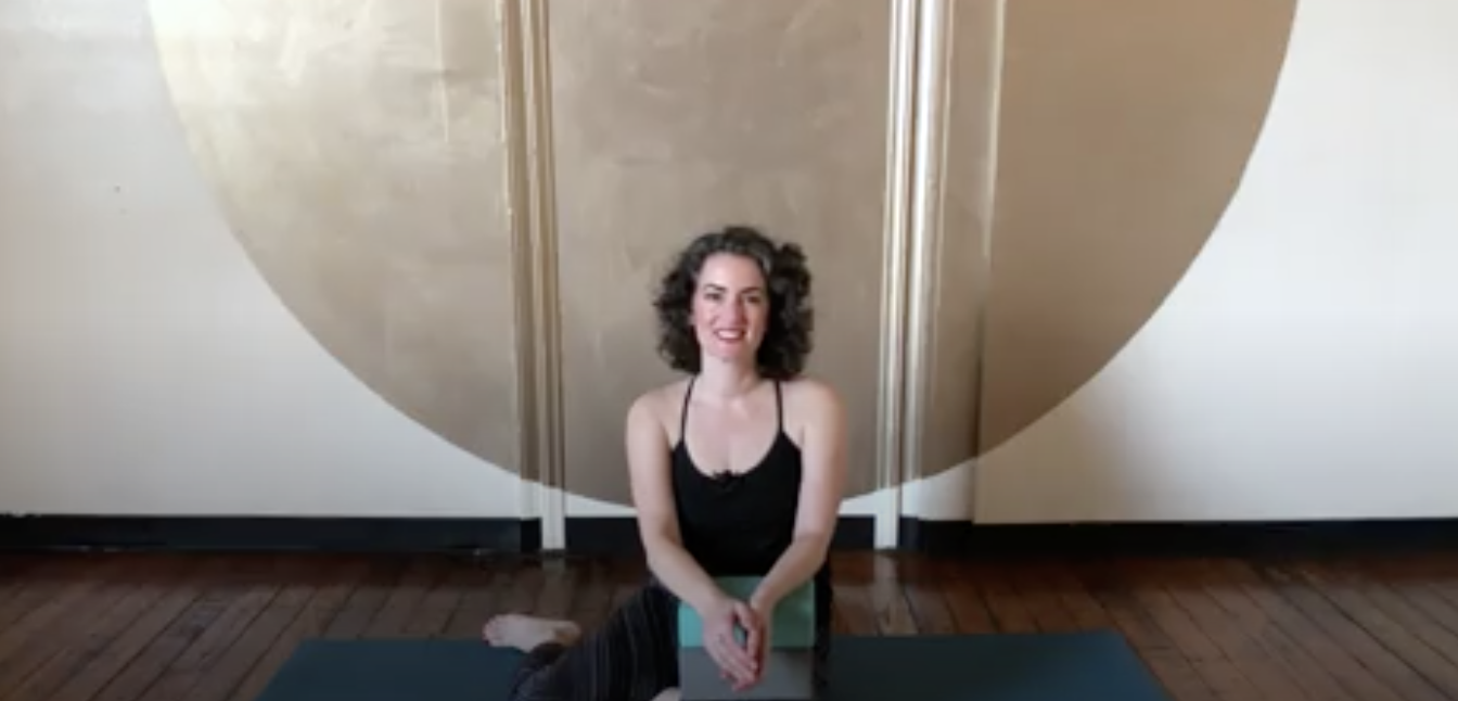 Try This Yoga Trick to Realign Your SI Joint & Relieve Lower Back Pain