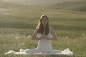 Kundalini 101: A Meditation to Feel Strong and Secure