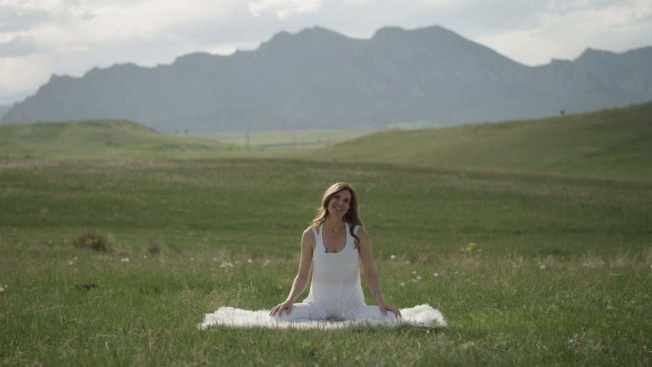 Kundalini 101: Kriya for Balancing Your Eighth Chakra (Auric Field)