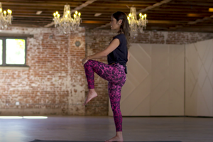 Cultivate Contentment with a Simple Leg-Balancing Practice